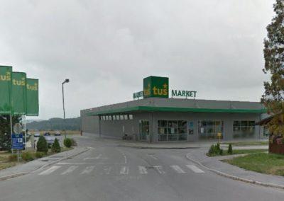 Supermarket Tuš, Oplotnica
