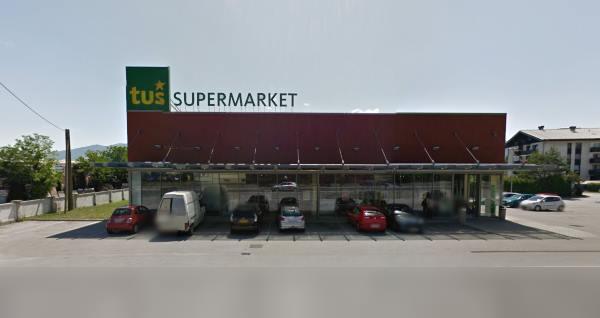 Supermarket Tuš, Lesce
