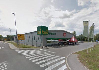Supermarket Tuš, Metlika